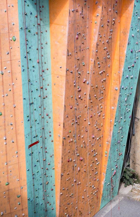 Mur vertical de gymnase s'élevant extérieur images libres de droits