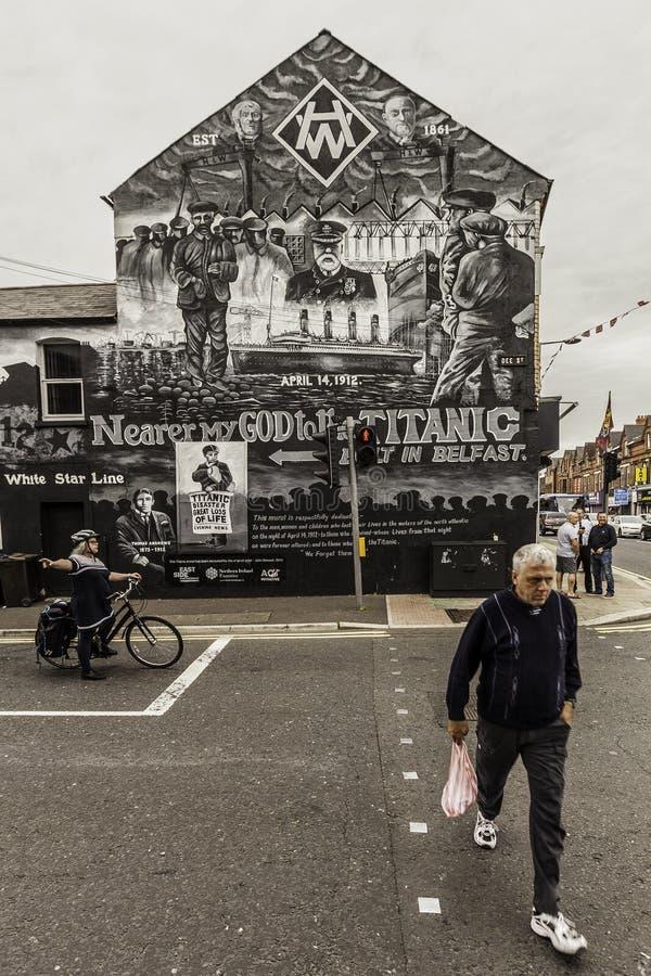 Mural de Belfast que conmemora el titánico imagen de archivo