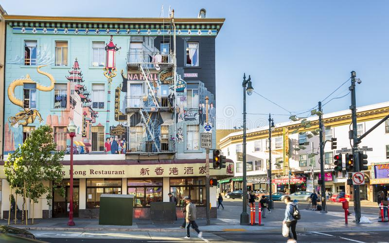Mural en un edificio, Chinatown, San Francisco, California, los Estados Unidos de América, Norteamérica foto de archivo libre de regalías