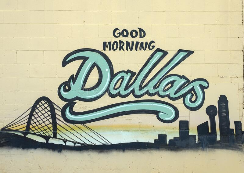 Mural 'Good Morning Dallas', de artista não identificado no Distrito de Design em Dallas, Texas imagem de stock