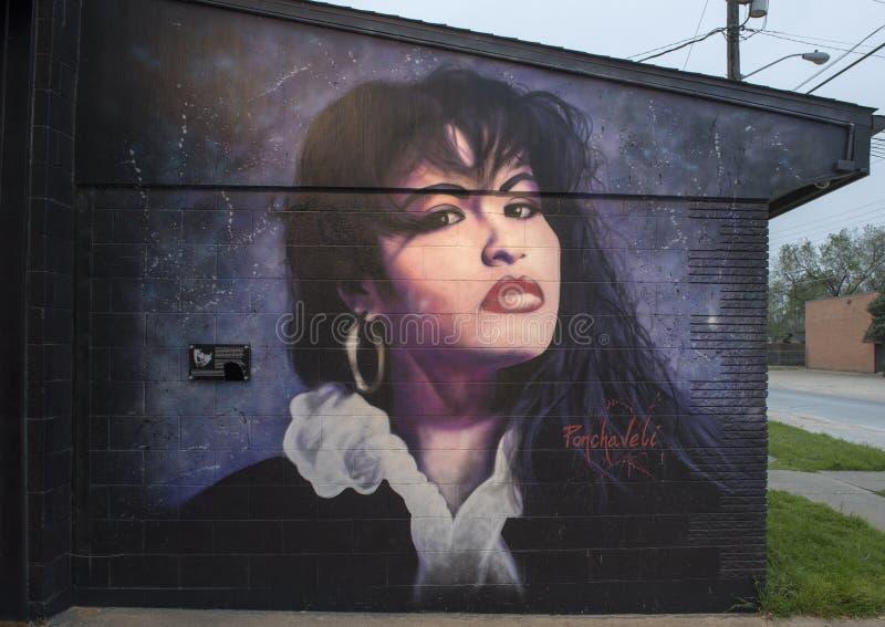 Murale della parete di Selena da Theo Ponchaveli, Dallas, il Texas fotografie stock