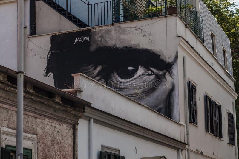 Murales del arte de la calle en Roma, el ojo de los pasolini imagen de archivo libre de regalías