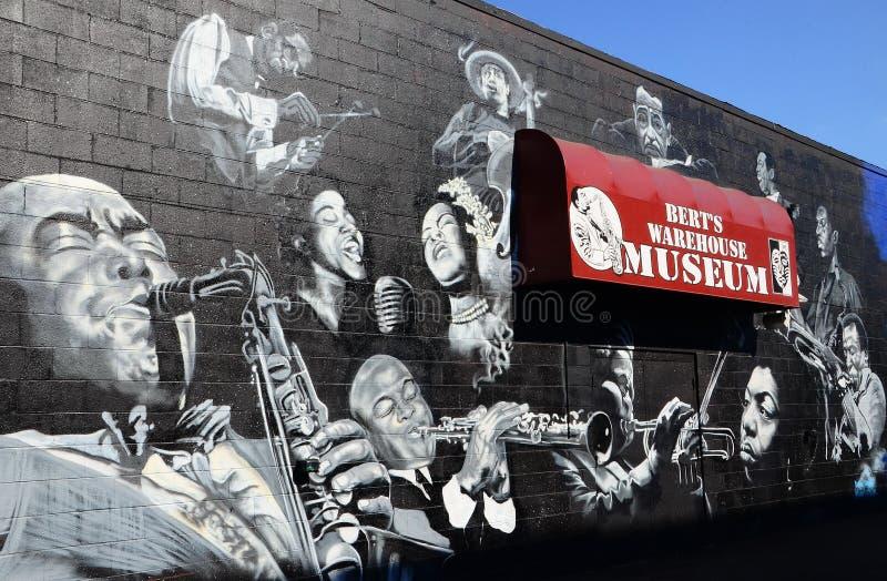 Murales en el mercado en la calle de la división imagen de archivo