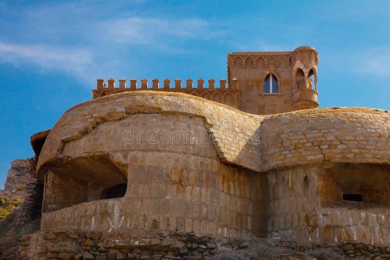 Muralha de pedra perto do forte imagens de stock royalty free