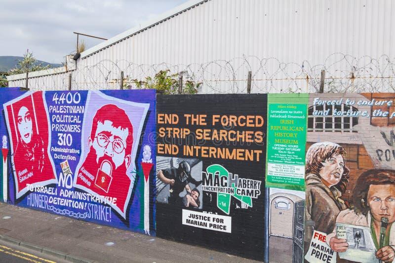 Murali della parete di pace di Belfast fotografia stock libera da diritti