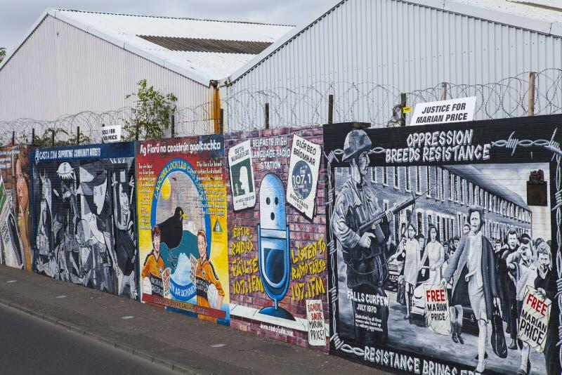 Murali della parete di pace di Belfast immagine stock