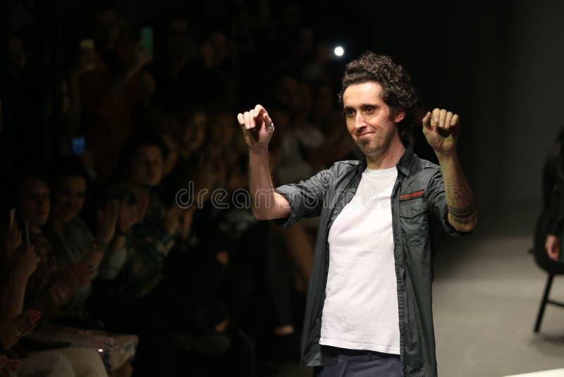 Murat Aytulum Catwalk στην εβδομάδα Ιστανμπούλ μόδας της Mercedes-Benz στοκ φωτογραφία με δικαίωμα ελεύθερης χρήσης