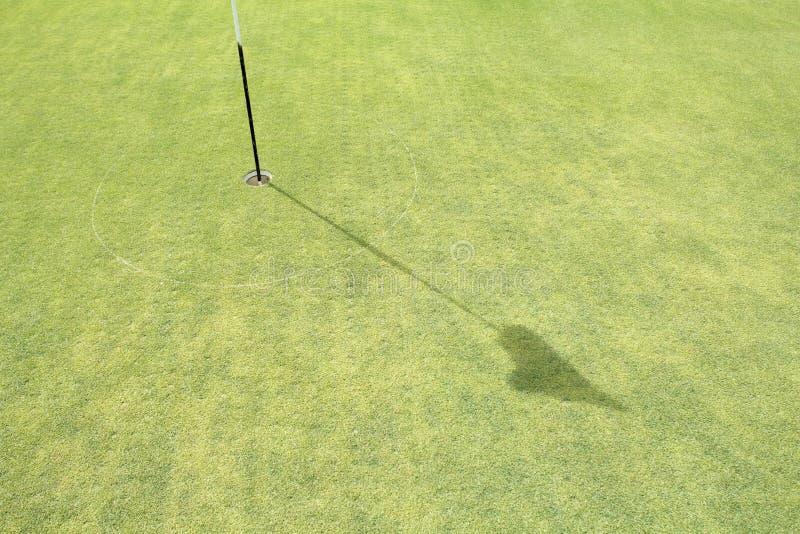 Murawy sedna napowietrzenie na zieleń golfie fotografia royalty free