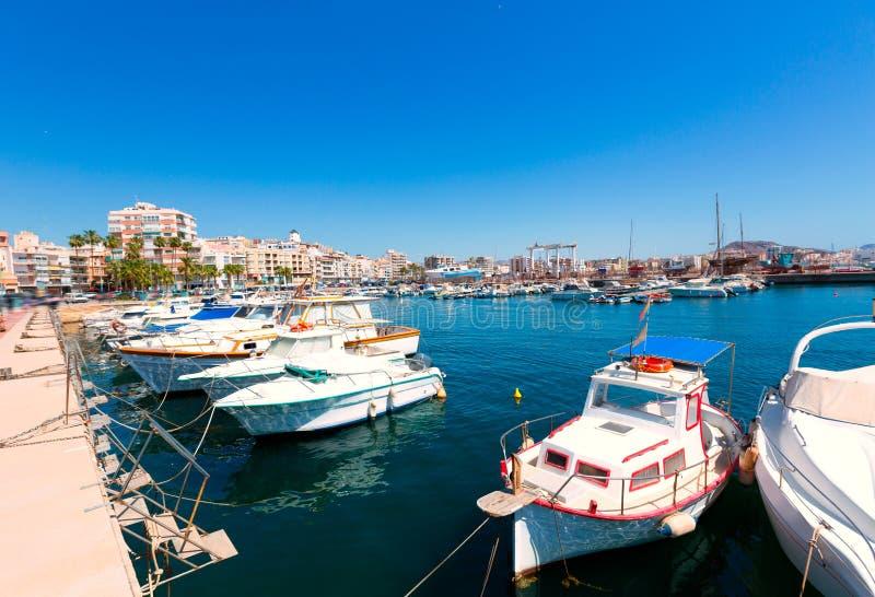 By Murcia för Aguilas portmarina i Spanien royaltyfri bild