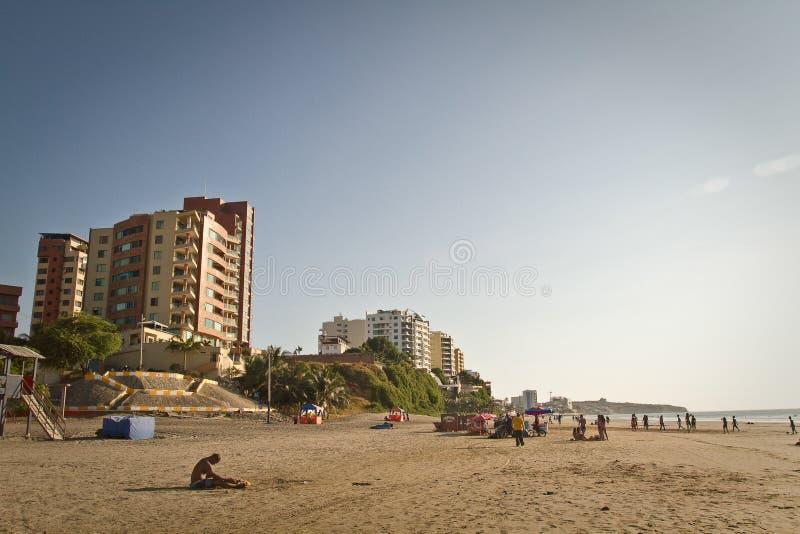 Murcielago海滩美丽的景色在女用披巾的 免版税图库摄影
