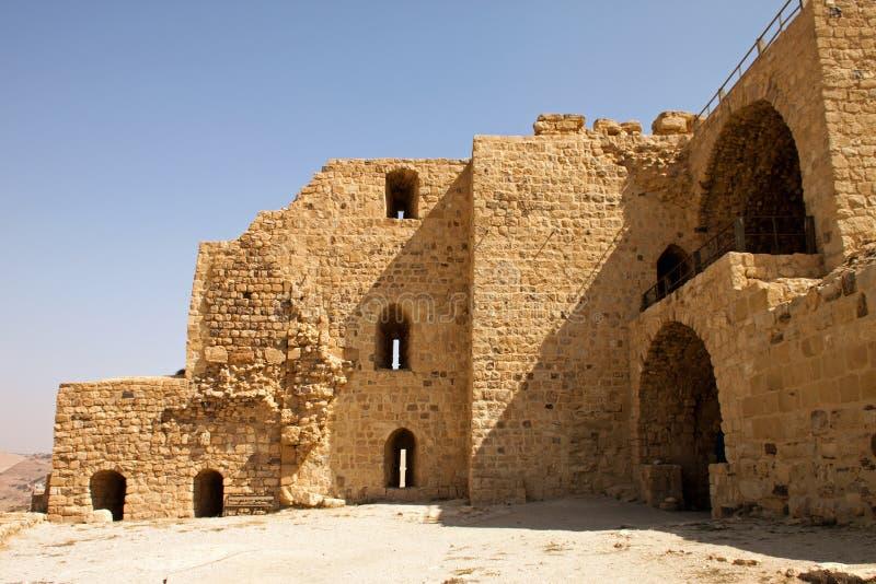 Muren van de versterkte stad van Kerak stock foto's
