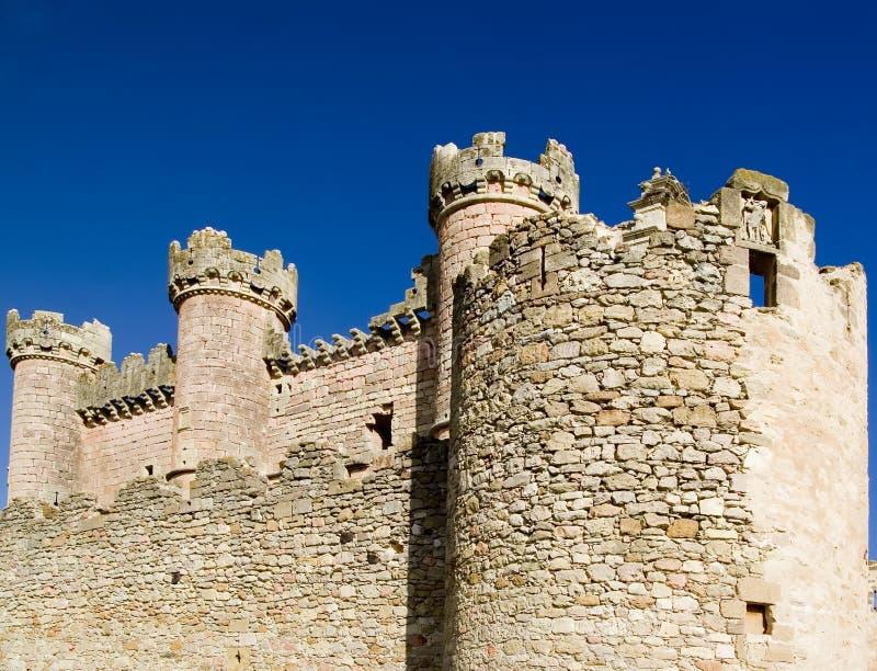 Muren van Kasteel Turegano stock afbeeldingen