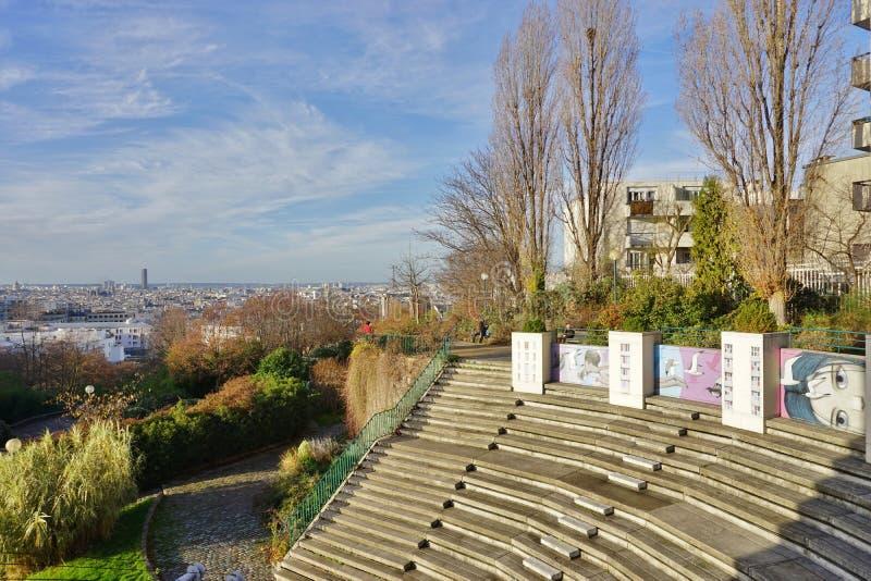 Muri le pitture murale dall'artista francese famoso Seth Globepainter (Julien Malland) della via al Parc de Belleville a Parigi fotografia stock libera da diritti