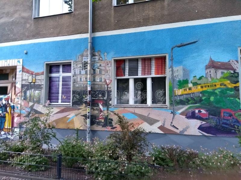 Muro de Berlim dos grafittis no kreuzburg Alemanha fotografia de stock