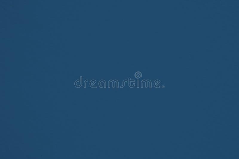 Muro de cemento áspero azul marino, textura real de la superficie del detalle y espacio vacío para el fondo o el diseño fotos de archivo libres de regalías