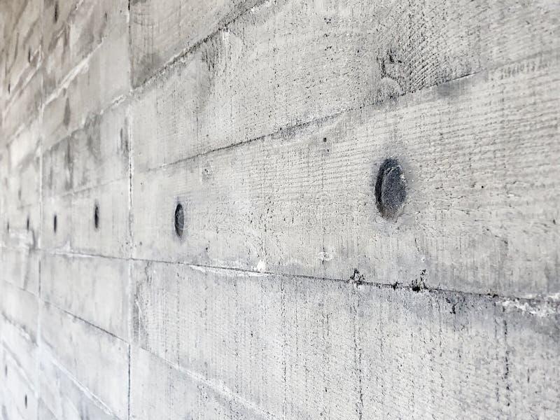 Muro de cimento com textura de madeira da placa fotos de stock royalty free