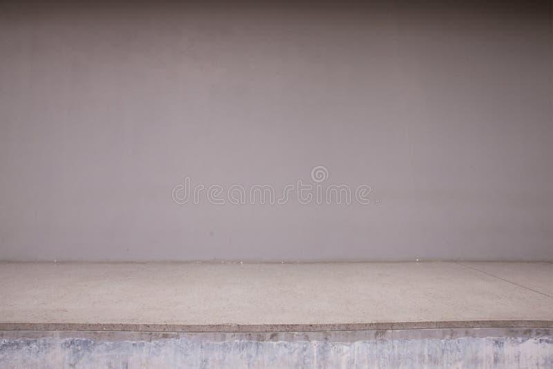 Muro di cemento e pavimento in bianco fotografie stock libere da diritti