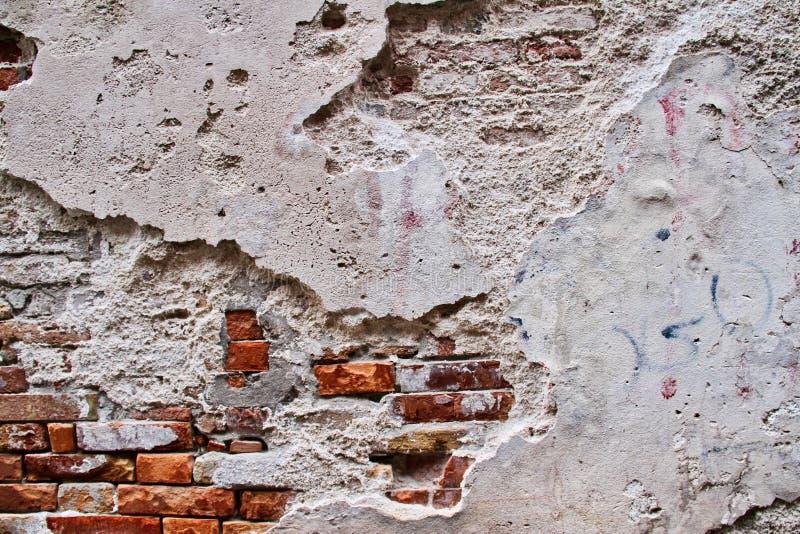 Muro di mattoni esposto all'aria immagine stock libera da diritti
