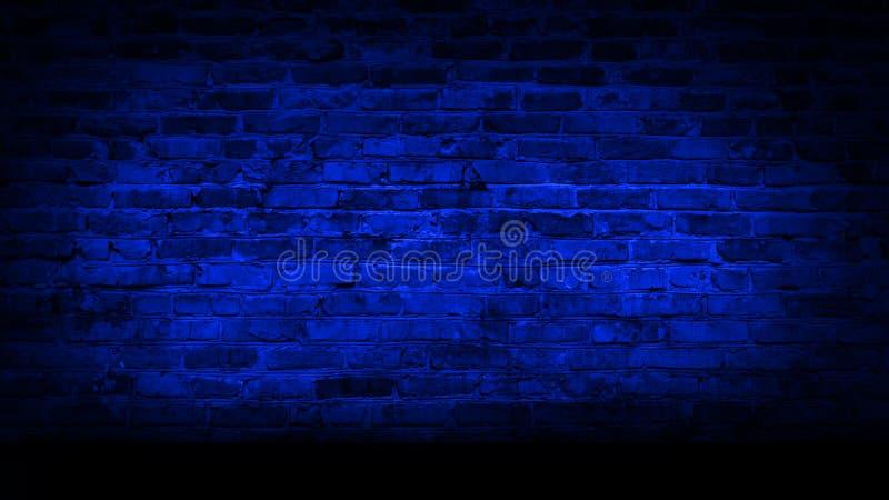 Muro di mattoni, luce al neon, fumo fotografia stock