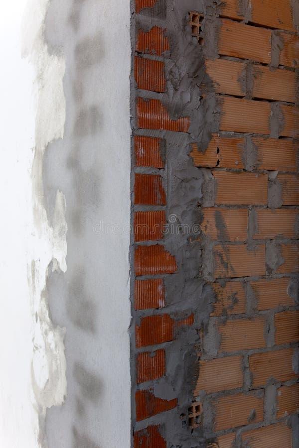 Muro di mattoni recentemente cementato immagini stock