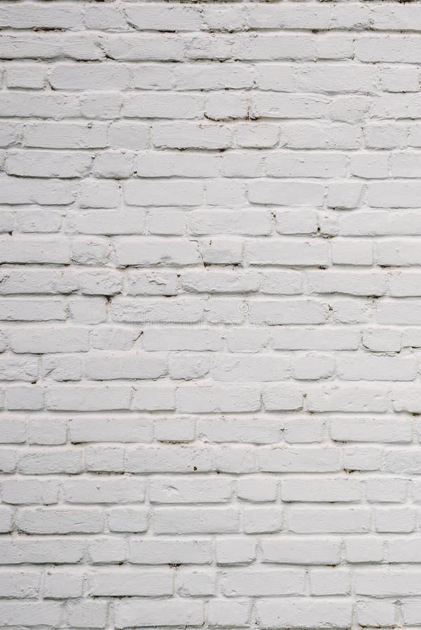 Muro di mattoni scheggiato fotografia stock libera da diritti