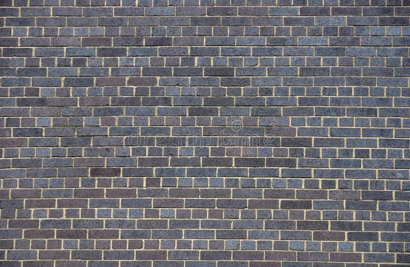 Muro di mattoni scuro fotografie stock libere da diritti