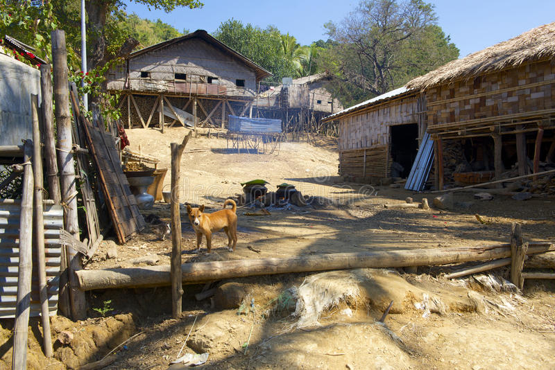 Murong wzgórza plemienia wioska blisko Bandarban, Bangladesz fotografia royalty free