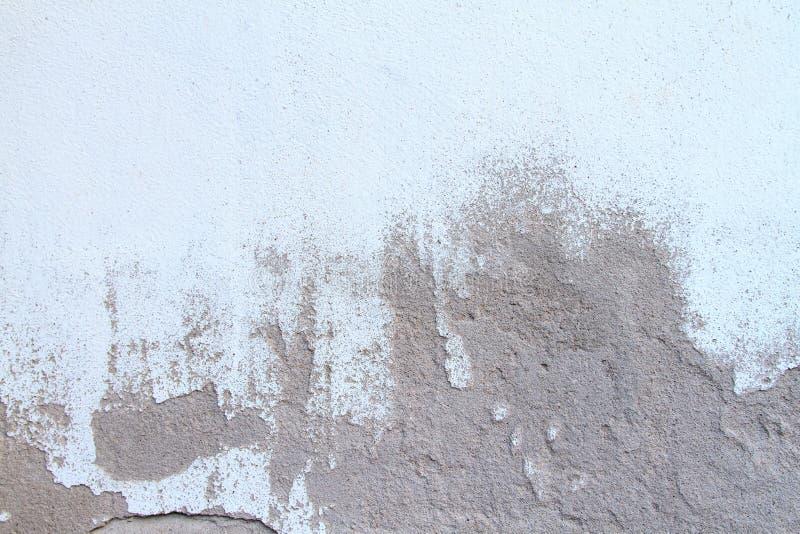 Muros de cemento dañados Superficie apenada pintada de la pared imágenes de archivo libres de regalías