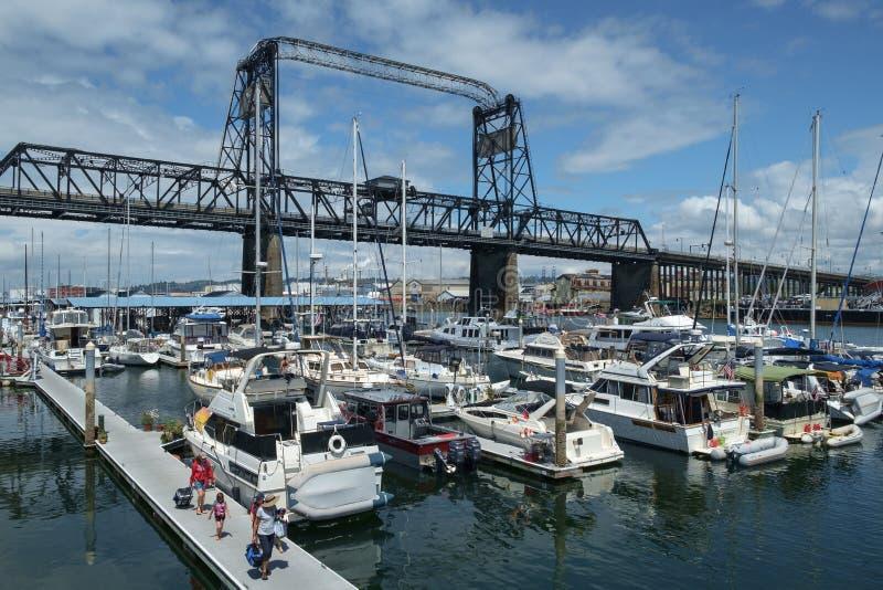 Murray Morgan Bridge e porticciolo fotografia stock