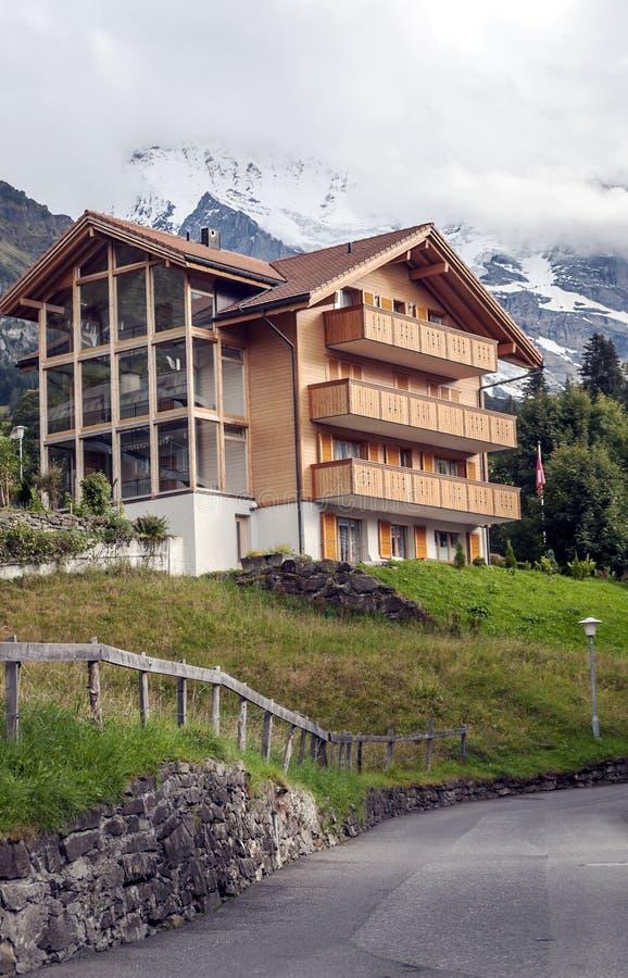 Murren nelle alpi svizzere immagini stock libere da diritti