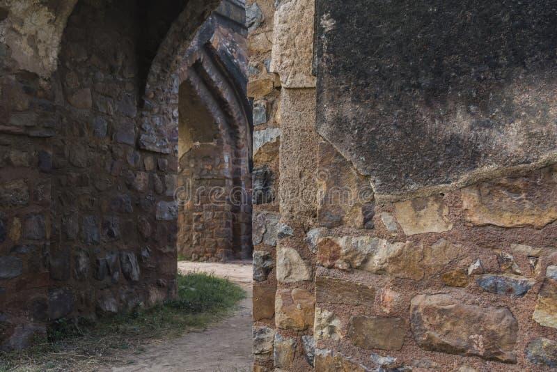 Murs à l'intérieur de complexe de Feroz Shah Kotla photos libres de droits