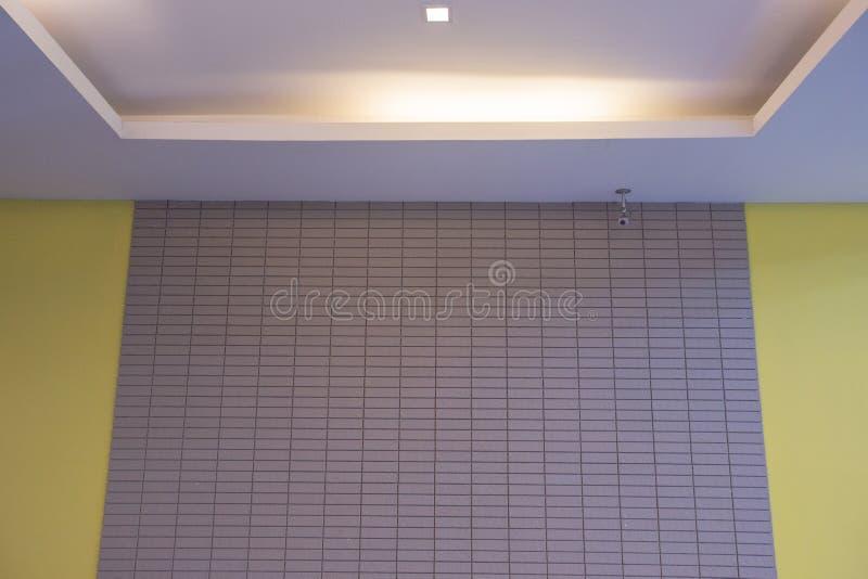 Murs d'hôtel et télévision en circuit fermé photos stock