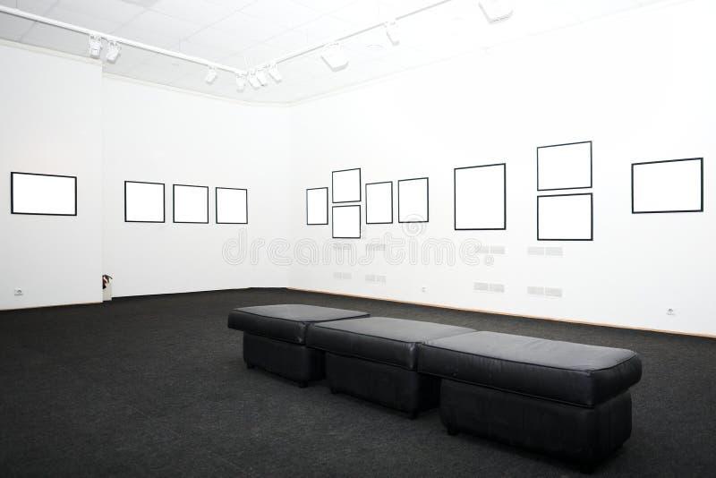 Murs dans le musée avec des trames images libres de droits