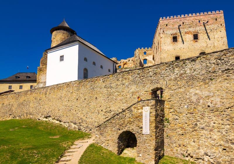 Murs de château de Stara Lubovna image libre de droits