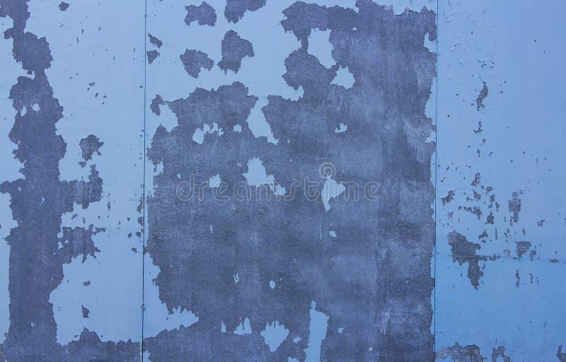 Murs de gypse, épluchage bleu délabré de peinture copiez l'espace pour votre texte photographie stock