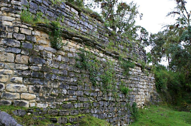 Murs de ruine de Kuelap image libre de droits
