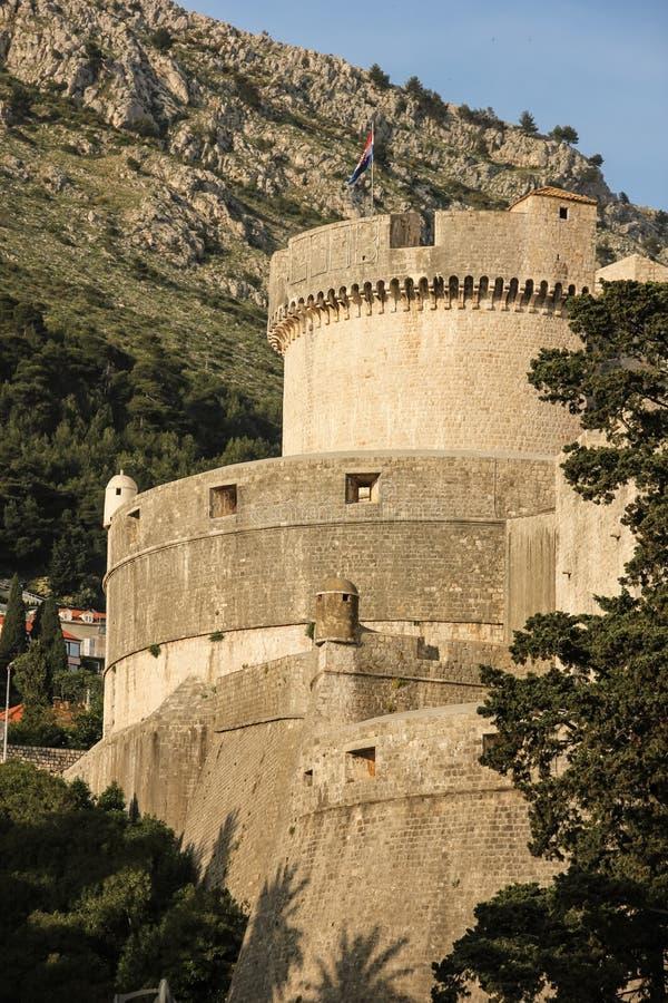Murs de tour et de ville de Minceta dubrovnik Croatie image libre de droits