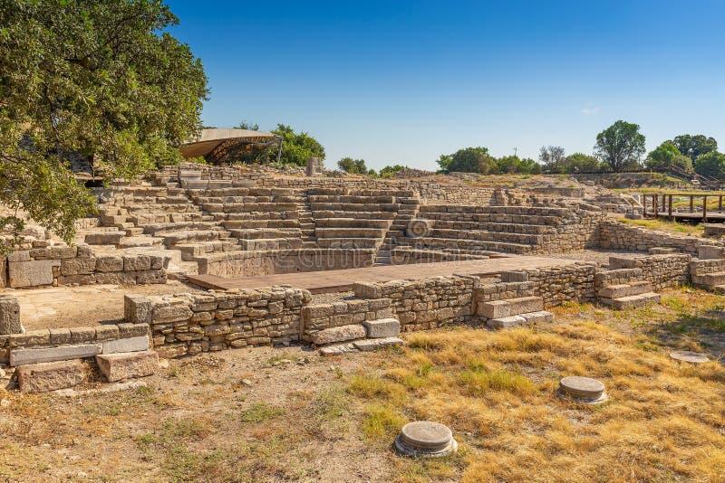 Murs de ville dans les ruines de Troie image stock