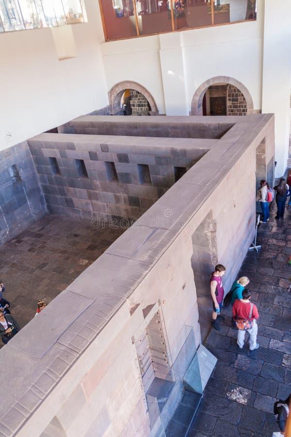 Murs des ruines de temple de Qorikancha de l'Inca dans Cuzco photographie stock