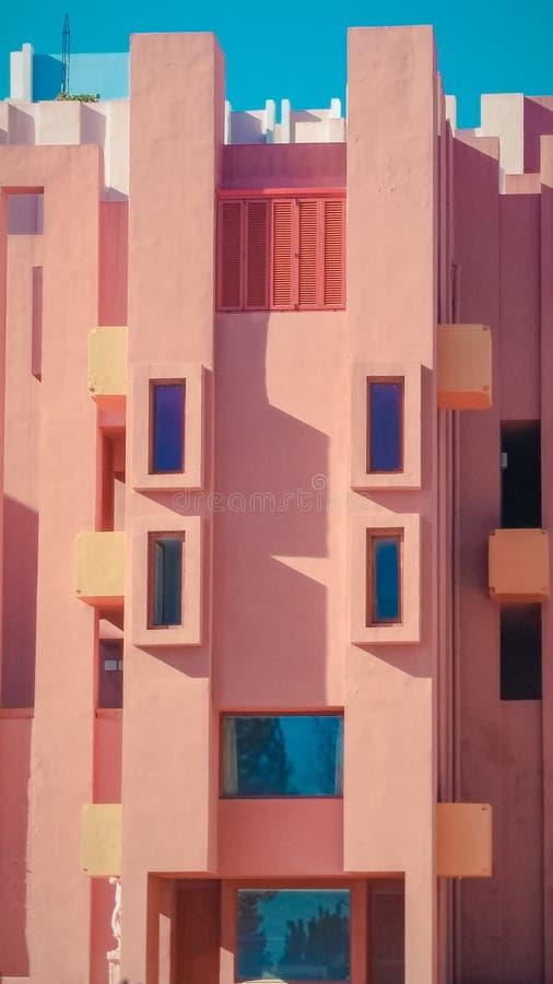 Murs du bâtiment de Muralla Roja de La situé dans Calpe, Espagne images libres de droits
