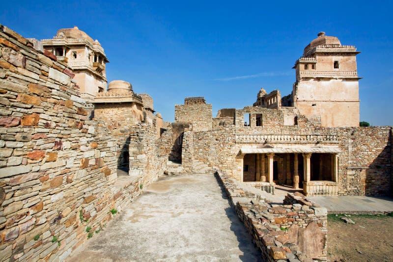 Murs en pierre texturisés et ruines de fort, construits au 7ème siècle images stock