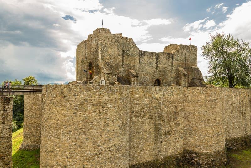 Murs extérieurs de forteresse de Neamt image libre de droits