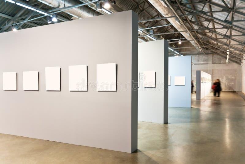 Murs gris avec beaucoup de trames images libres de droits