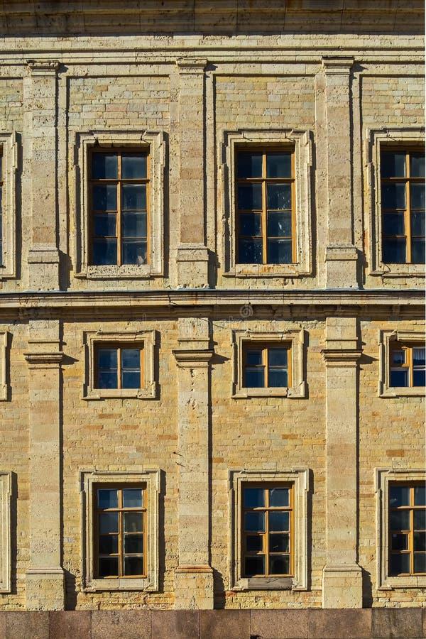 Murverk av den stora Gatchina slott-slotten av ryska kejsare royaltyfri bild