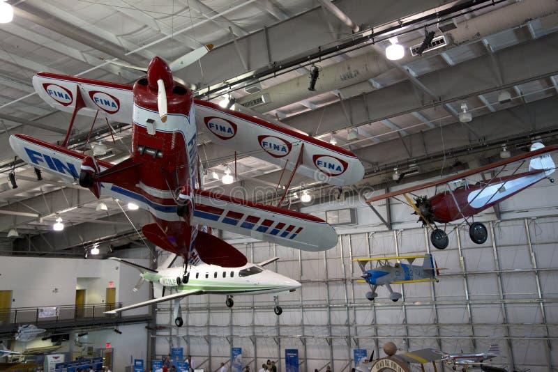 Musée accrochant Dallas de modèle d'avions en vol image stock