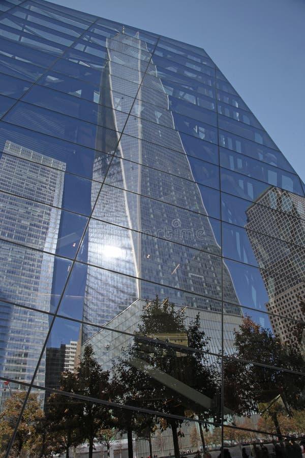 9/11 musée commémoratif Windows reflètent 1 WTC images stock