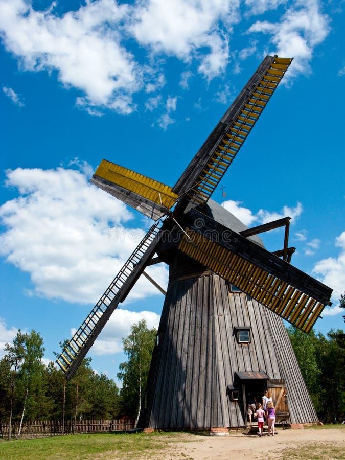 Musée d'air d'opération de Wdzydze Kiszewskie, le moulin à vent images libres de droits