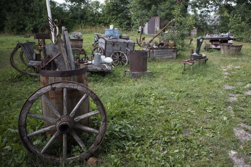 Musée d'air ouvert des choses rurales antiques photos stock
