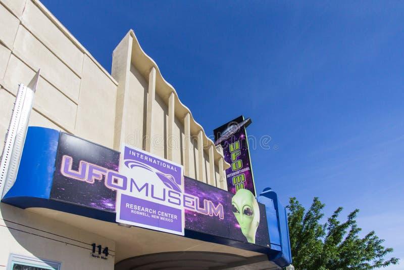 Musée d'UFO de Roswell New Mexico dans l'orientation verticale images libres de droits