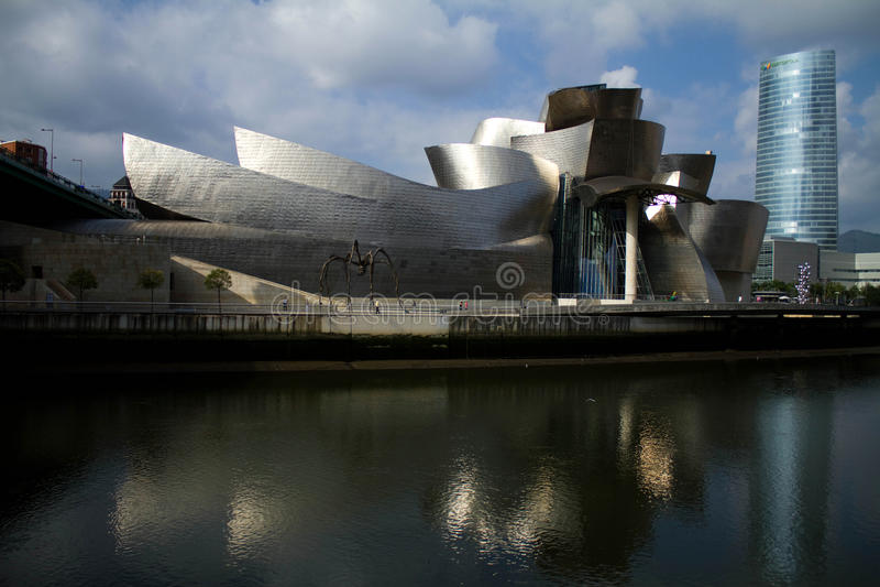 Musée de Bilbao Guggenheim photographie stock libre de droits